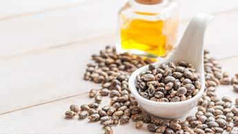 Olej rycynowy może łagodzić zapalenie stawów oraz pomagać przy rwie kulszowej i bólu pleców