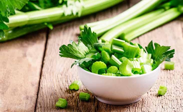 芹菜是否有益于治疗乳腺癌?