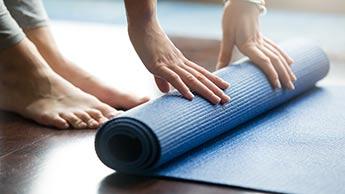 Les retardateurs de flamme présents dans les meubles et tapis de gymnastique, impliqués dans la stérilité