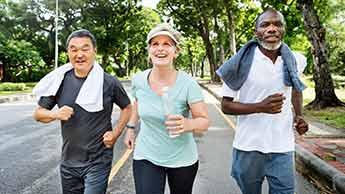 毎日の歩きを高強度運動に変えるには