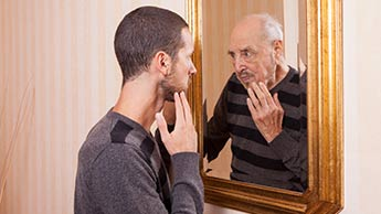 Votre mode de vie, et non vos gènes, est le facteur qui ajoute des années à votre visage