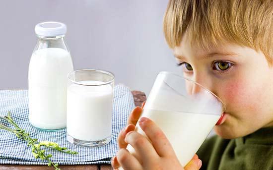 生牛乳是什么,经过高温消毒的牛奶