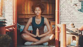 La méditation relie le corps et l'esprit