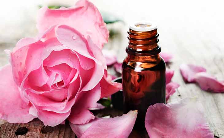 一瓶玫瑰精油