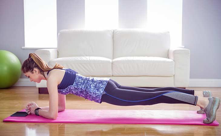 做平板支撑锻炼的 5 大益处