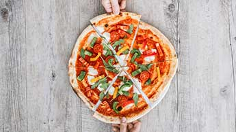 콜리플라워 캐서롤 레시피를 통해 색다른 피자를 맛보시기 바랍니다!