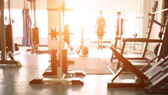 Melden Sie sich in einem Fitnessstudio an