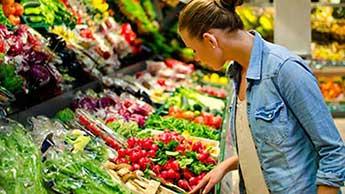 Które owoce i warzywa są najbardziej zanieczyszczone pestycydami?