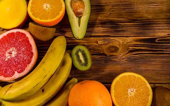 과일과 아보카도