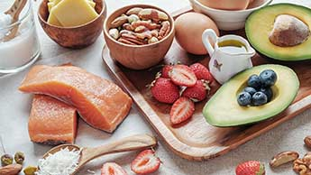 ケトン主体食は脳を健康で若く維持してアルツハイマー病から保護する