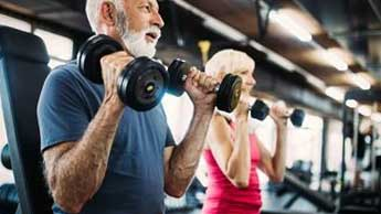 운동하는 노인