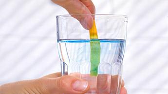un test du taux de ph de l'eau