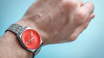 文字盤に何も記載がない腕時計