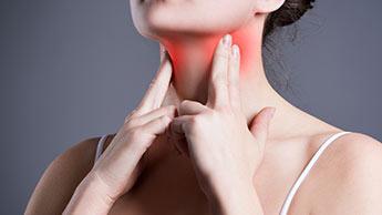 femmes présentant une inflammation de la thyroïde