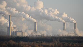 Rauchendes Kraftwerk