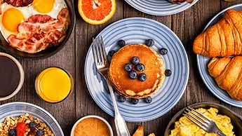 śniadanie w stylu amerykańskim