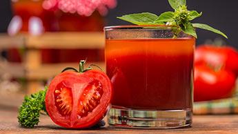 O suco de tomate pode beneficiar sua pressão arterial?
