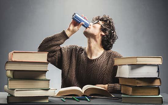 공부 중 마시는 에너지 드링크
