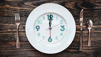 relógio no prato