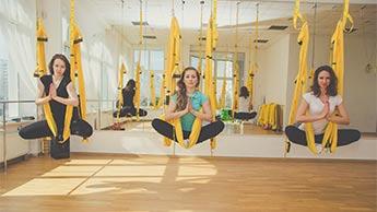 zalety aerial joga