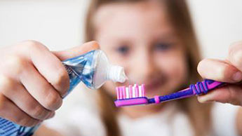 fluor, dentifrice au fluor, fluorose dentaire