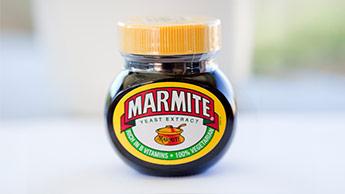 um pote de marmite