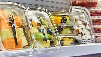 Révoltés contre le plastique une nouvelle enquête dévoile le rôle des supermarchés dans la pollution plastique