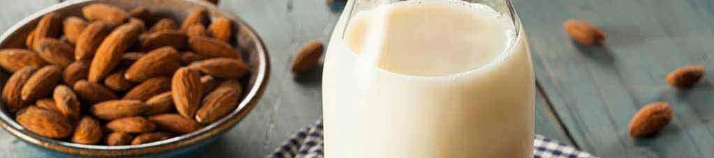 przepis na mleko migdałowe
