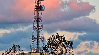Une antenne relais retirée d'une cour d'école en raison d'une épidémie de cas de cancer