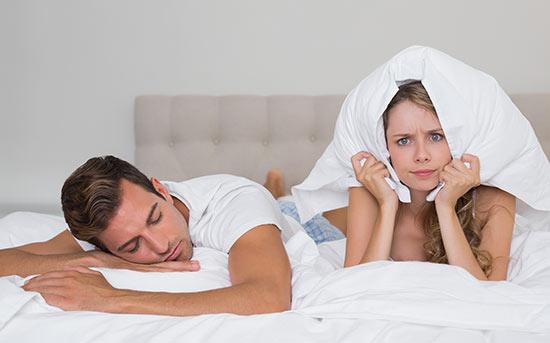 잠을 못 자는 여자