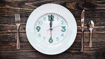 ограничение приемов пищи по времени