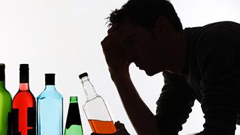 Что происходит с вашим телом, когда вы пьете слишком много алкоголя?