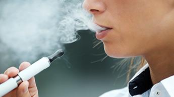 급증하는 전자담배와 합성 마리화나(대마초) 중독