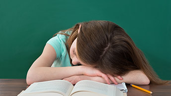 子供の睡眠中無呼吸症は有害な脳の変成に関連する