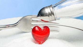 Ridurre l'assunzione di sale potrebbe danneggiare i pazienti affetti da scompensi cardiaci, secondo uno studio