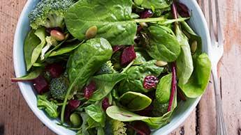 채소와 칼슘을 함께 섭취해야 하는 이유