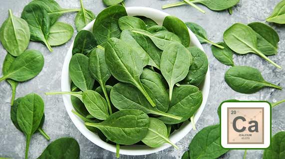 Por que você deve ingerir cálcio junto aos seus vegetais