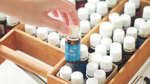 Os óleos essenciais para dor de cabeça