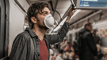 coronavirus se propage à domicile et transport public