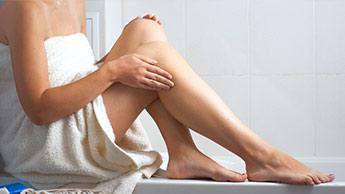 乾いた皮膚がぼろぼろの脚: どんな方策がありますか?