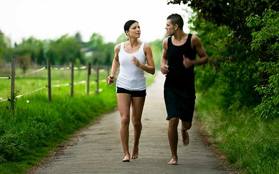 맨발 달리기