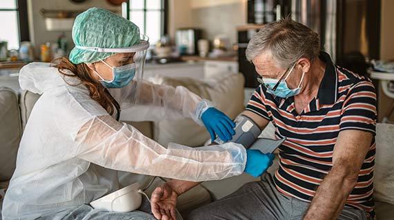 Высокое кровяное давление может удвоить риск смерти от COVID